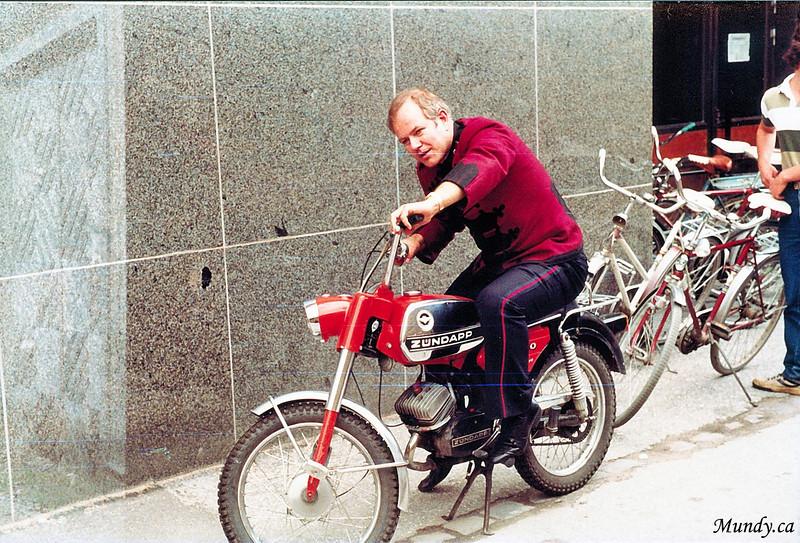 Fred tries to steal a bike ...