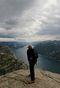 Lysefjord vanaf de Prekestolen (600m), Noorwegen.