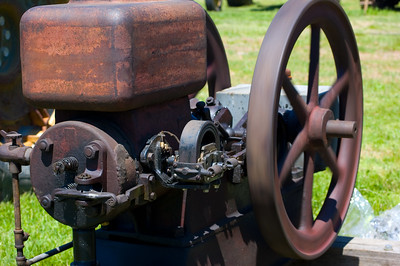 """It appears that while fully functional, this engine hasn't gotten the """"full treatment"""" yet.  Taken at Antique Engine and Tractor Show - Somers, CT, US"""