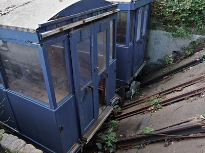 Sadly, this cliff lift is derelict.