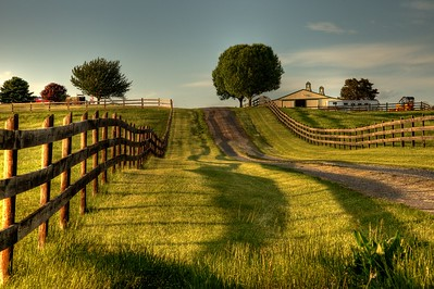 Farm Road in Luray, Virginia