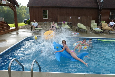 Dan making a big splash that got Lauren and Ashley.