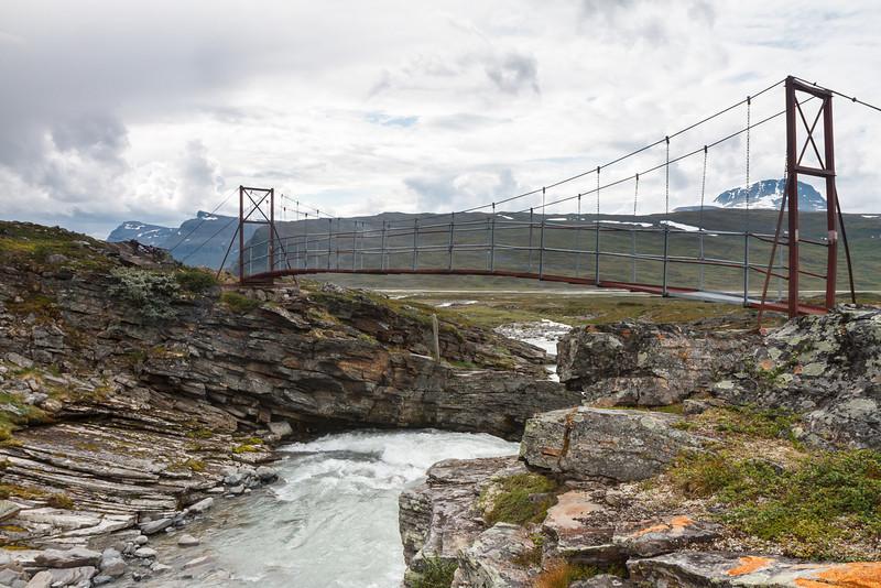 Eine Hängebrücke - etwas wackelig beim Überqueren