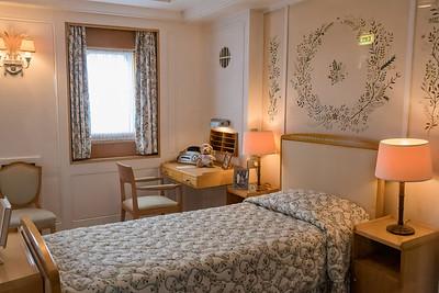 Queen Elizabeth's stateroom.