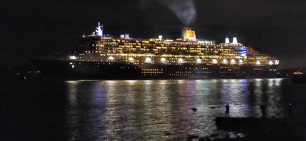 Scotland Trip, Oct. 2009 Queen Mary 2 @ Greenock