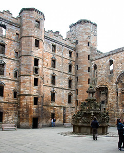 Linlithgow Palace - principal residence of Scottish monarchs  in the 14th and 15th century.