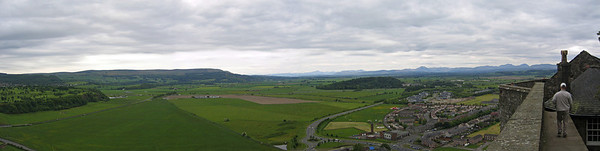 Näkymä Strilingin linnan muurilta, Skotlannissa, 2006.  View from the wall of Stirling Castle, Stirling, Britannia, 2006