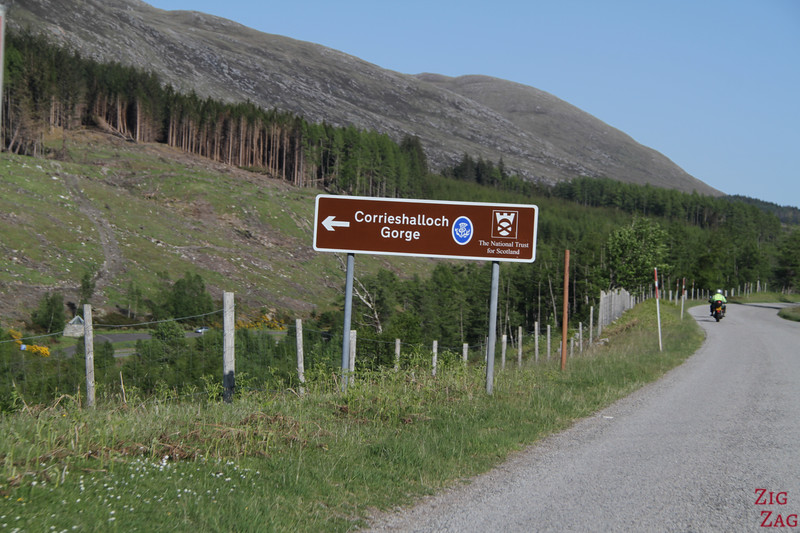 Access to Corrieshalloch gorge road sign