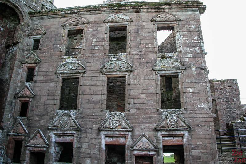 Caerlaverock Castle Scotland - Mansion facade 3