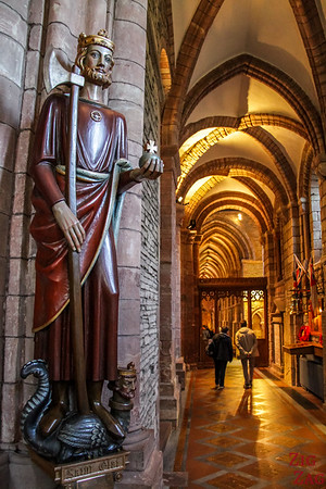 Sculptures Kirkwall Cathedral St Magnus 4