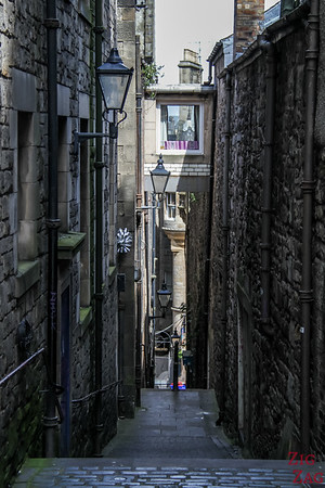 The Royal Mile Edinburgh Scotland - Close 4