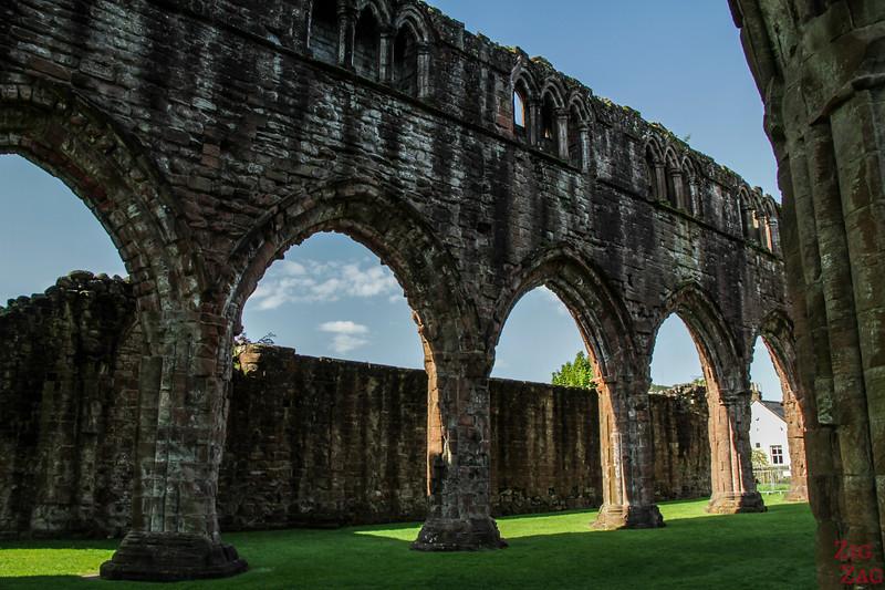 Sweetheart Abbey Scotland - exploring the ruins 5