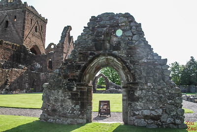 Sweetheart Abbey Scotland - Entrance