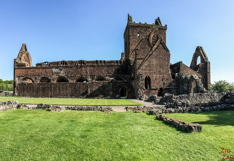 Sweetheart Abbey Scotland - Outside 2