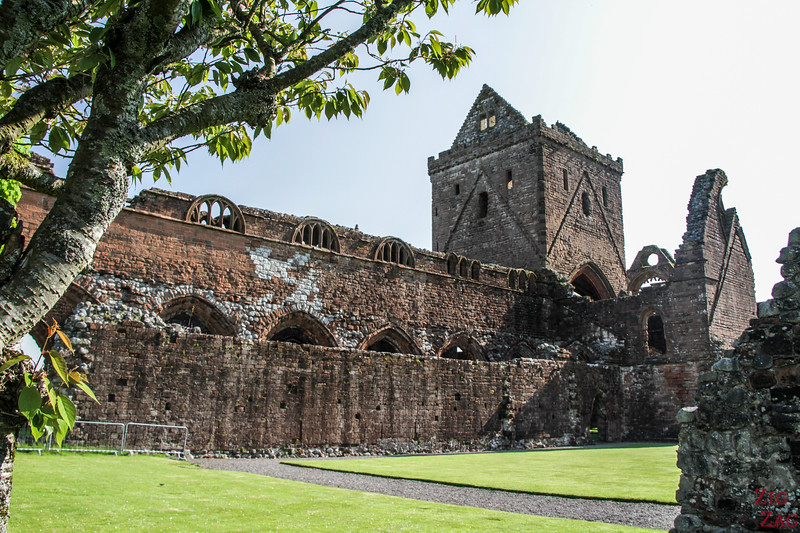 Sweetheart Abbey Scotland - Outside 3