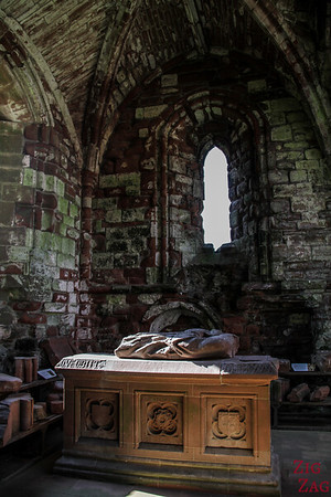 Sweetheart Abbey Scotland - exploring the ruins 9