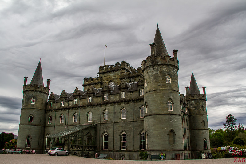 Inveraray Castle entrance 2
