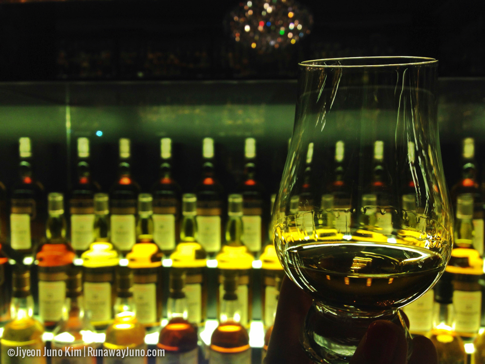 Tasting Scotch Whisky at Scotch Whisky Experience