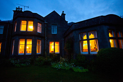 Castleton House at night.