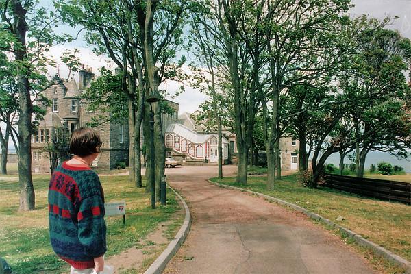 Dpt of Economics, St Andrews University St Andrews East Newkt of Fyfe Scotland - Jun 1996