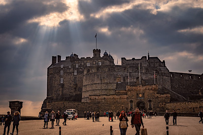 An afternoon sun-break at Edinburgh Castle.