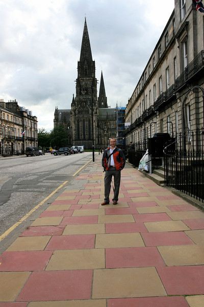 Strolling the beautiful and clean streets in Edinburgh
