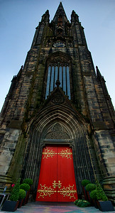 St.Giles Cathedral reaches to the sky