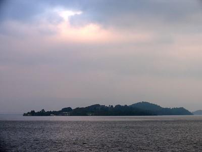 IMG_1638Loch Lomond island & sky