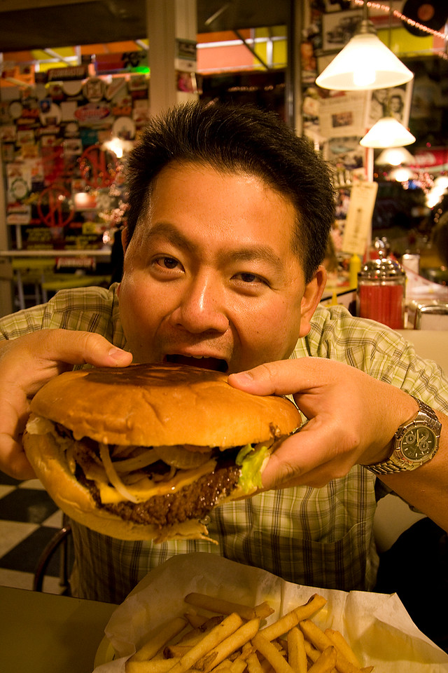 Cly decided to try the Triple X burger.  No, this meal was not compliant with the Pyatt Diet he's been on since March!