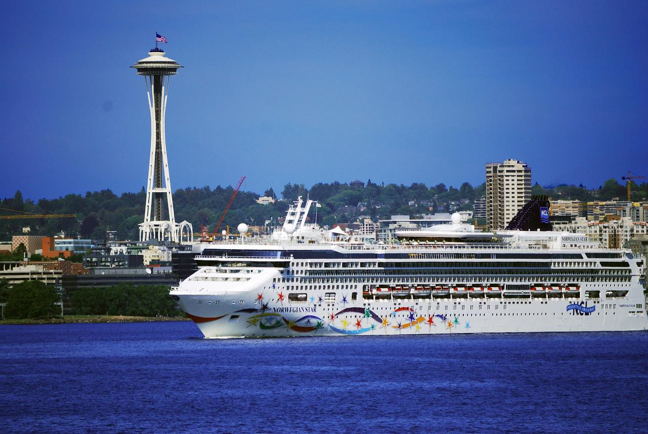 7-04-09  Cruise ship 'Norwegian Star' Elliot Bay, Seattle
