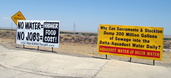 Signs, Buttonwillow, CA, 1 Aug 2009