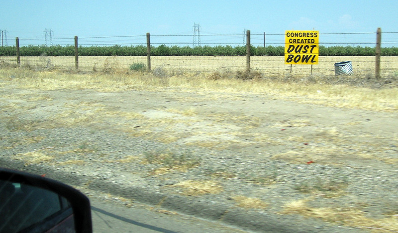 Sign near ButtonWillow, CA; 1 Aug 2009