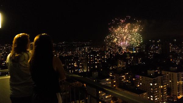 Aug 04 10:15PM Honda Festival of Lights fireworks show on English Bay