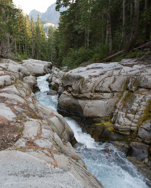 Rocky gorge on the Comet Falls trail