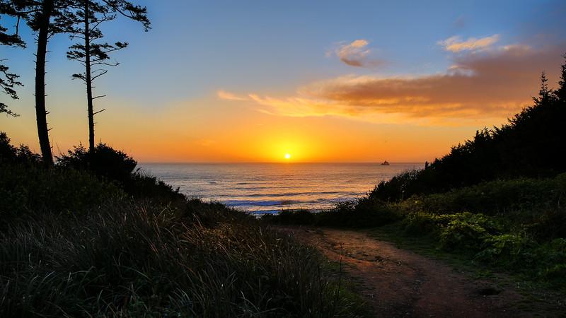 Pacific Sunset at Tillamook RockLight