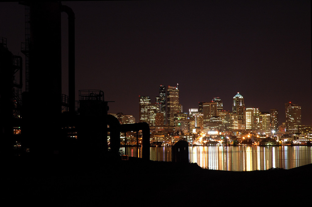 Seattle skyline from Gasworks Park, Apr 2005