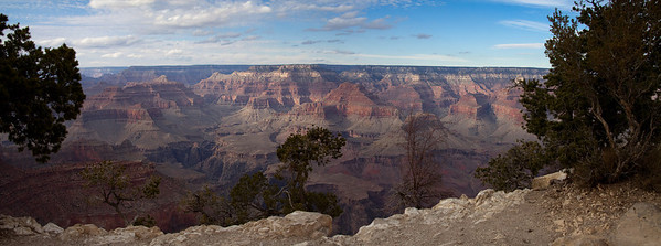 Design: horizontal horizon top third. Grand Canyon from Mather Point
