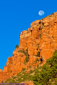 Moonset Boynton Canyon
