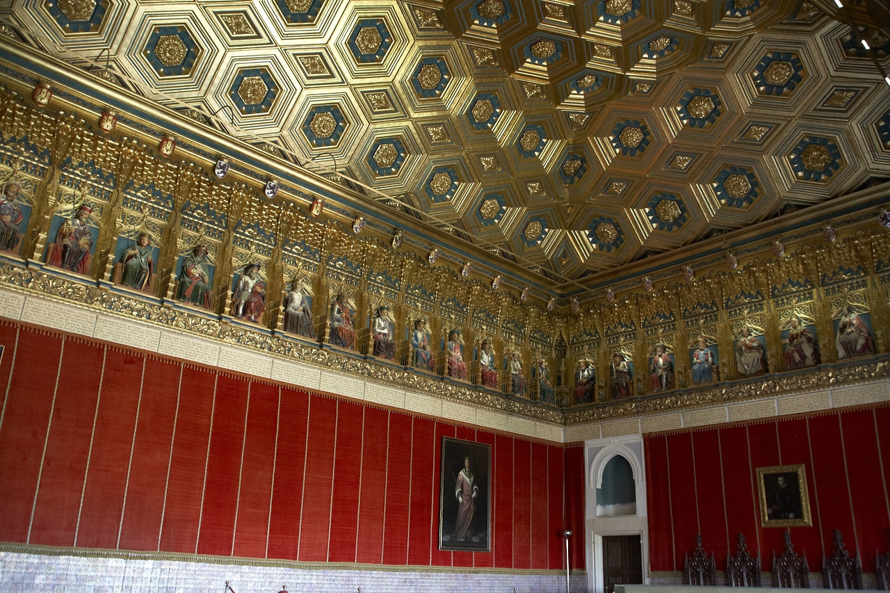 This is the Room of the Monarchs. Near the ceiling is the frieze which shows all the monarchs of Asturias, Castile, and Leon.