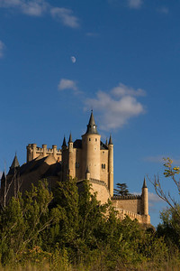 Moon over Alcazar, Segovia