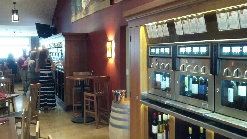 I count (here in the photos) about 12 machines with 4 wines each so that's 48 wines on tap!
