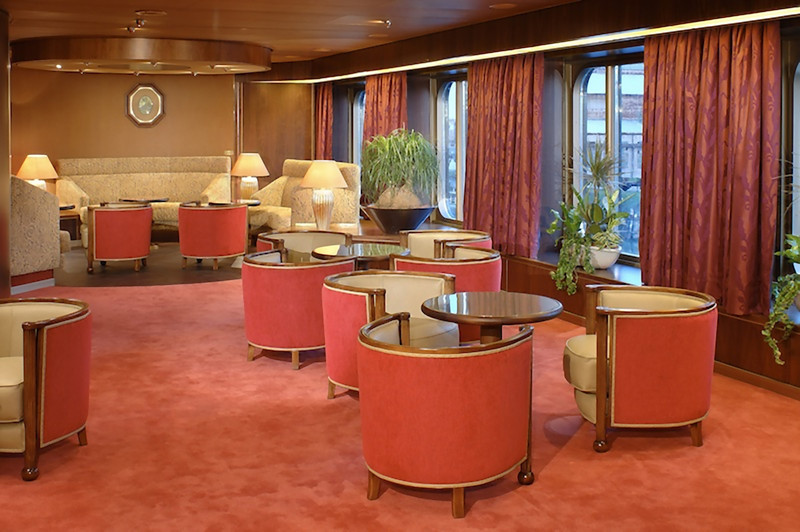 The Queens lounge. (Holland America file photo.)