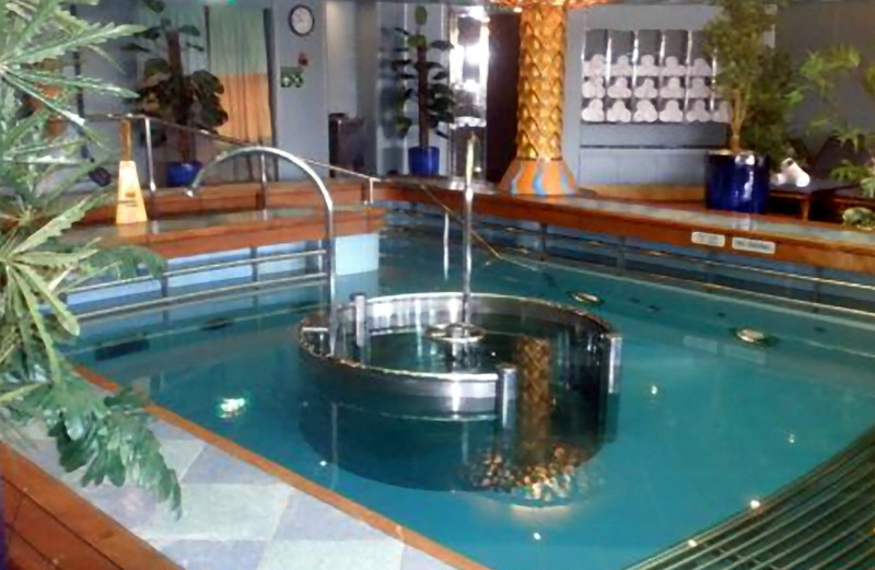Spa pool, also on the Lido deck. (Beyond Ships file photo.)