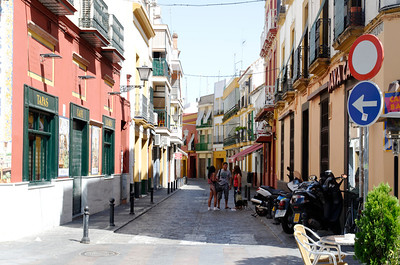 A typical road in Sevilla.