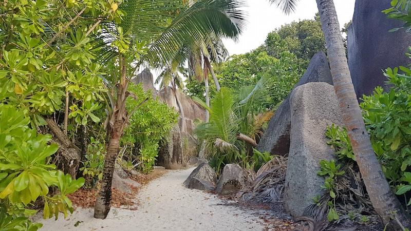 Seychelles - Walk to Source d'Argent