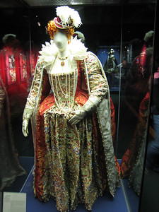 Exact replica of costume worn by Liz I.  No velcro, no zips, its all held together with pins.