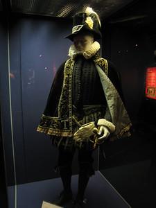 Costume of Tudor gentleman