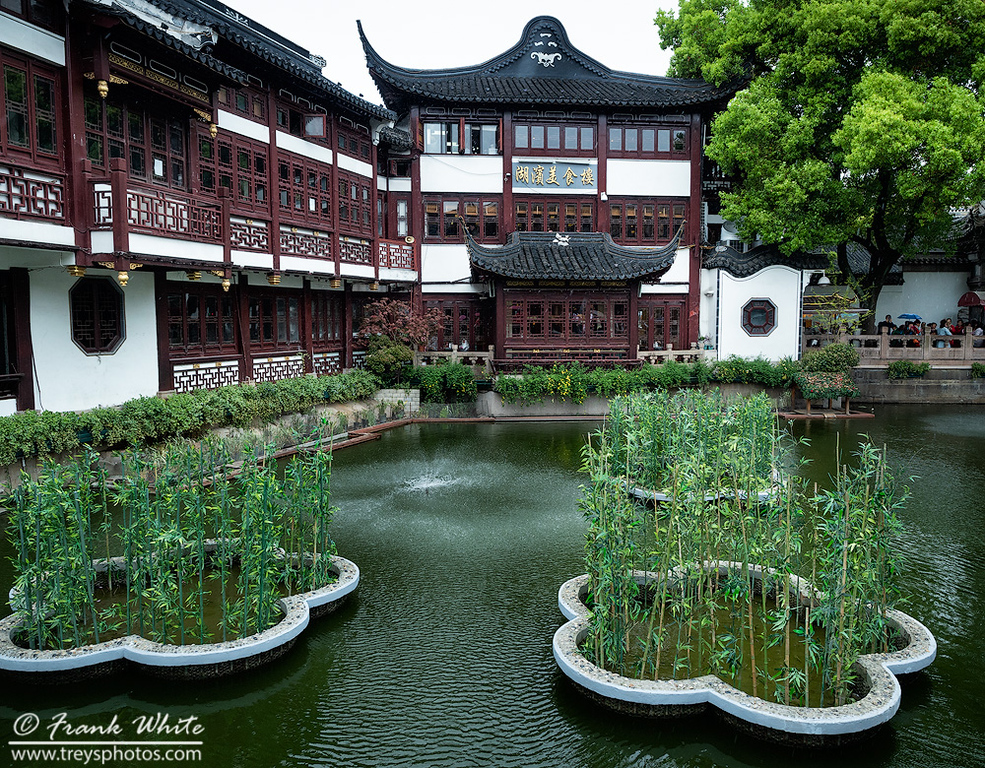 Yuyuan bazzar and Yu gardens