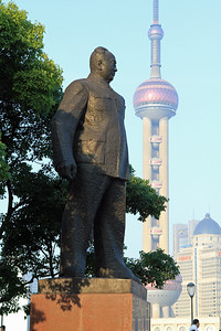 Statue of Chen Yi, revolutionary commander and first mayor of Shanghai after 1949, on the banks of the Huangpu River.