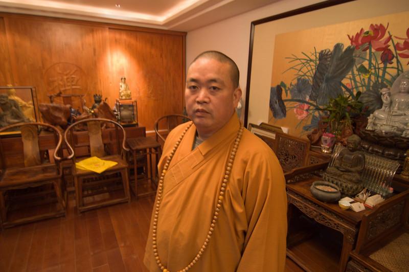 Shi Yong Xin, the monastery's abbot
